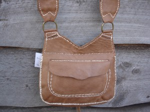 #118 Ladies Purse Possible Bag Hunting Pouch, Back Pocket View