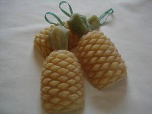 pineapplehanger